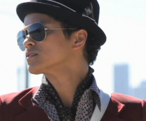 "Mark Ronson & Bruno Mars Deliver A Winter Heater With ""Uptown Funk"""