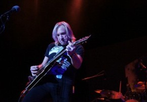 Spin Cycle: Joe Walsh, Analog Man