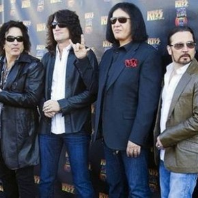 "The Singles Bar: Kiss, ""Hell or Hallelujah"""