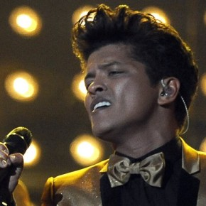 "Singles Bar: Bruno Mars, ""Locked Out of Heaven"""
