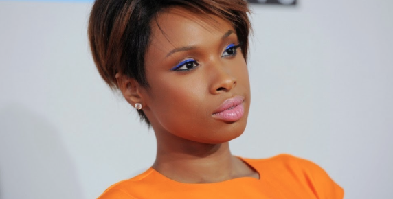 Jennifer Hudson Establishes Identity; Sings Her Ass Off on JHud